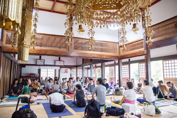 八王子ヨガ祭り_中村尚人先生のノンストレスヨガ